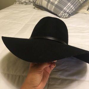 Black fashion sun hat